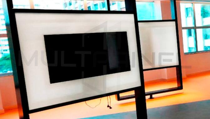 Lousa de Vidro com Televisão